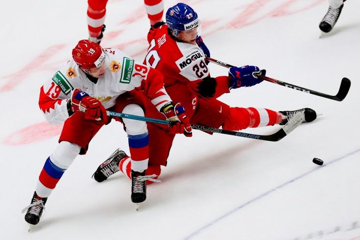 «Русские играют как свиньи». Чехи опустились до оскорблений после травмы Лауко