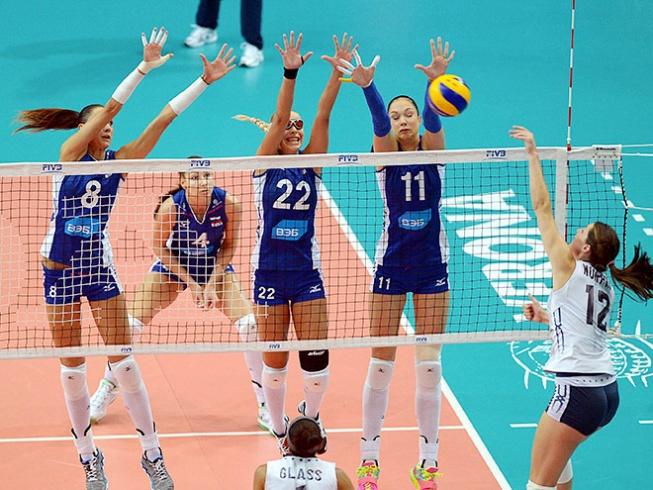 Российские волейболистки уступили сборной США