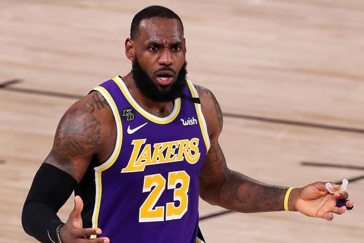 «Хьюстон» обыграл «Лейкерс» в первом матче плей-офф НБА, Леброн Джеймс провалился