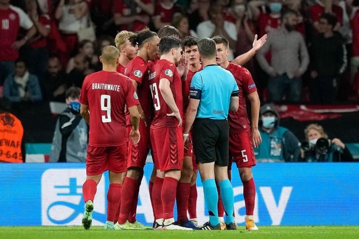 Почему судья назначил пенальти в пользу Англии? Эксперт разобрал самый спорный эпизод Евро