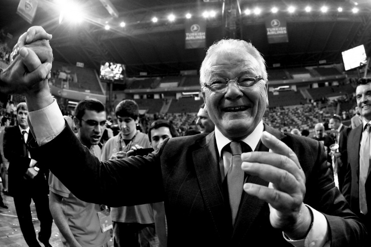 Умер легендарный баскетбольный тренер Душан Ивкович, возглавлявший ЦСКА и «Динамо»