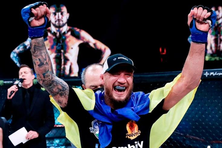Ярослав Амосов победил Дугласа Лиму на Bellator 260 и стал чемпионом лиги, видео