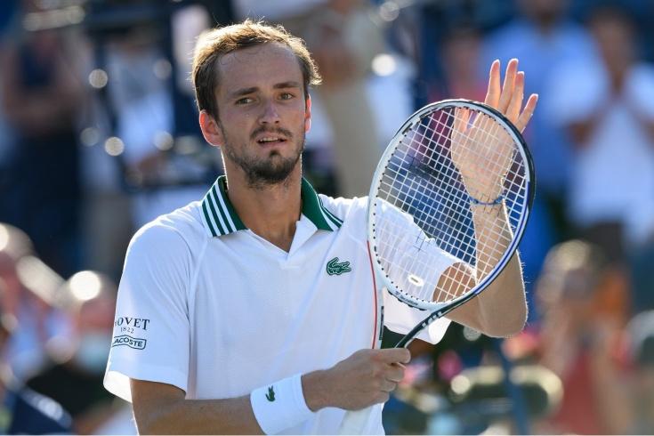 С юбилеем! Даниил Медведев одержал 10-ю победу подряд и 50-ю в этом сезоне