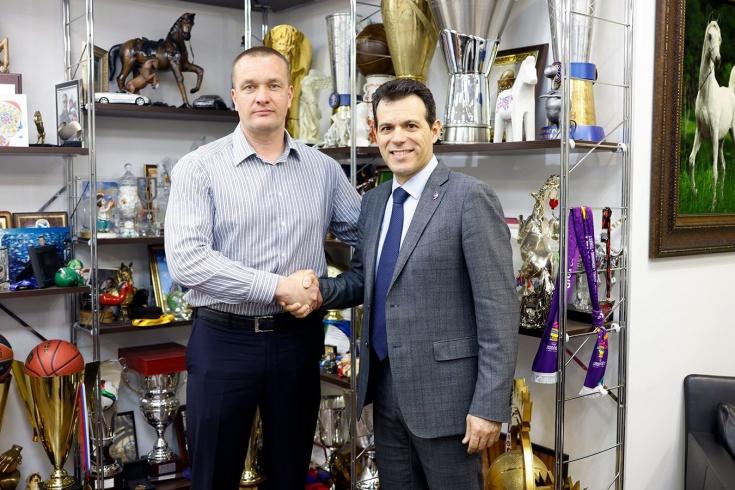 ЦСКА неожиданно продлил контракт с главным тренером Димитрисом Итудисом – это правильное и своевременное решение