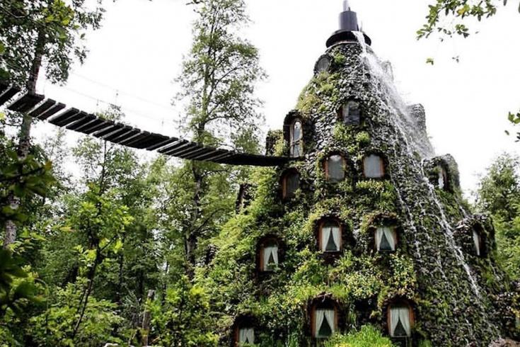 Сказочный отель в лесах Чили, который похож на домик гнома: сколько стоит поездка
