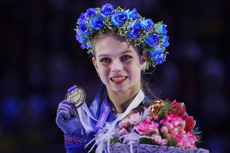 Блестящая победа Трусовой на этапе Гран-при-2019 в Москве — три четверных, нелепое падение, слёзы Тарасовой