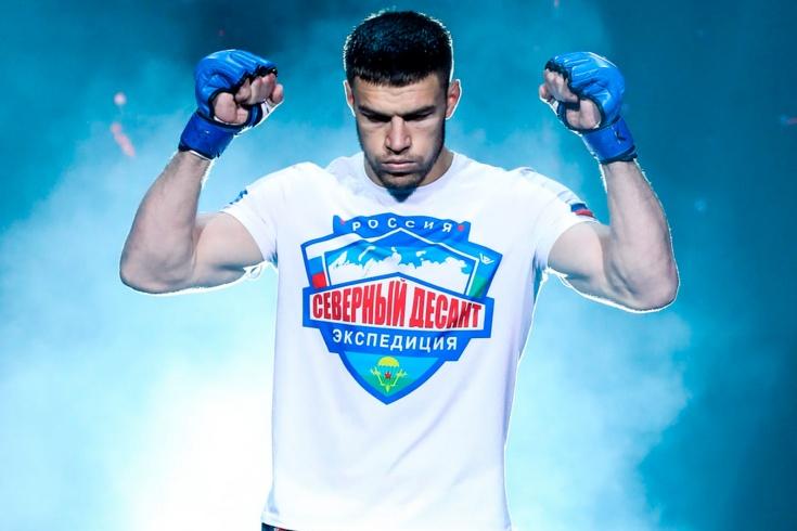 Bellator 257: Вадим Немков победил Фила Дэвиса, защитил чемпионский пояс и вышел в полуфинал Гран-При, видео