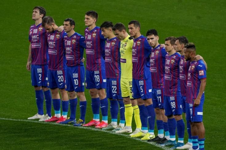 futbolisty-cska-v-polnom-sos.jpg