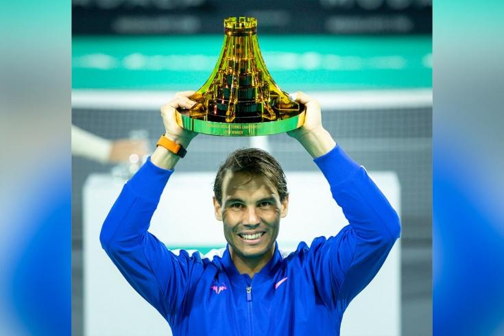 Надаль вырвал победу у Циципаса в финале Абу-Даби