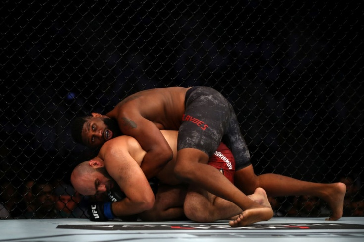 Бой Кёртис Блейдс — Джуниор Дос Сантос UFC Fight Night 166 26 января