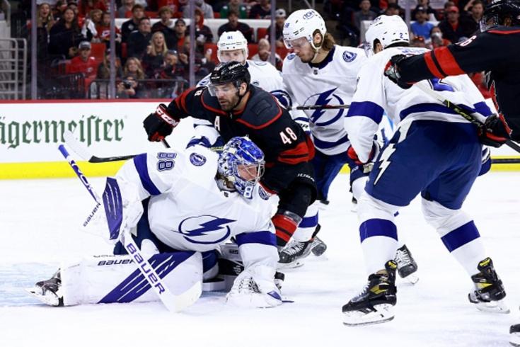 «Каролина» — «Тампа» — 1:2 — видео, голы, обзор матча плей-офф НХЛ