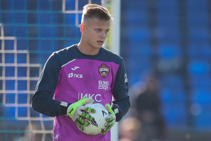 В ЦСКА дебютировал 17-летний вратарь