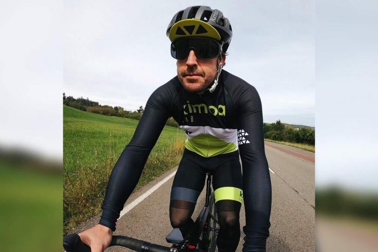 Что с Алонсо?! Двукратный чемпион Формулы-1 в больнице после ДТП на велосипеде