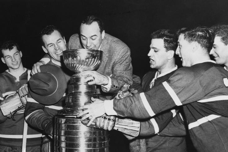 Болельщик «Монреаля» почти украл Кубок Стэнли. После этого трофей стали охранять