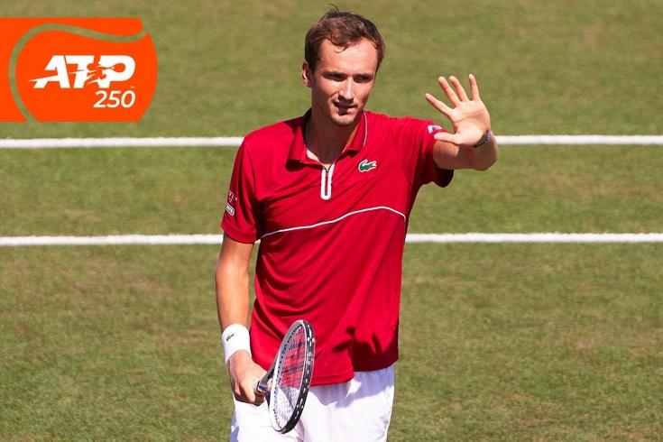Турнир ATP-250 на Мальорке: Даниил Медведев вышел в полуфинал 3-й раз в карьере на траве, Джокович уже в финале, видео