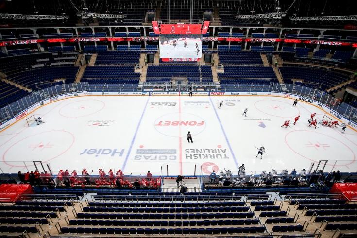 Нужно ли продолжать плей-офф КХЛ без зрителей