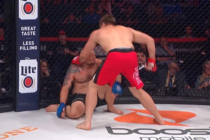 Жёсткий нокаут от Виталия Минакова в бою с Тимоти Джонсоном, видео