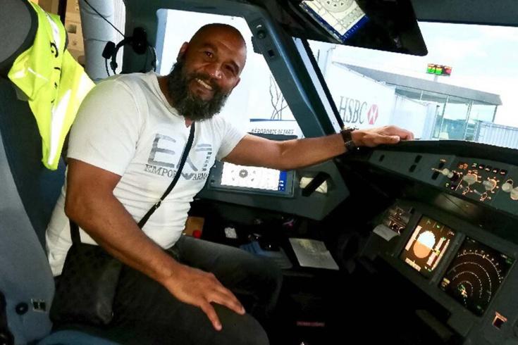 История боксёра Тарика Сахибеддина, предотвратившего захват самолёта