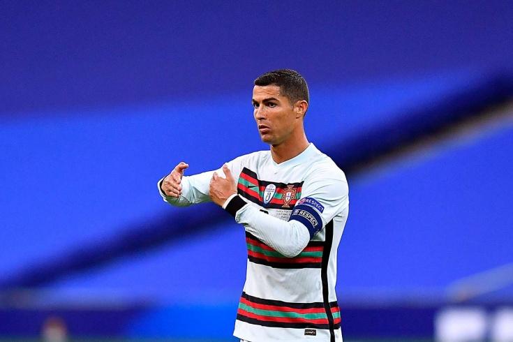 Роналду сбежал из «Ювентуса» в сборную, нарушив карантин. А теперь заболел