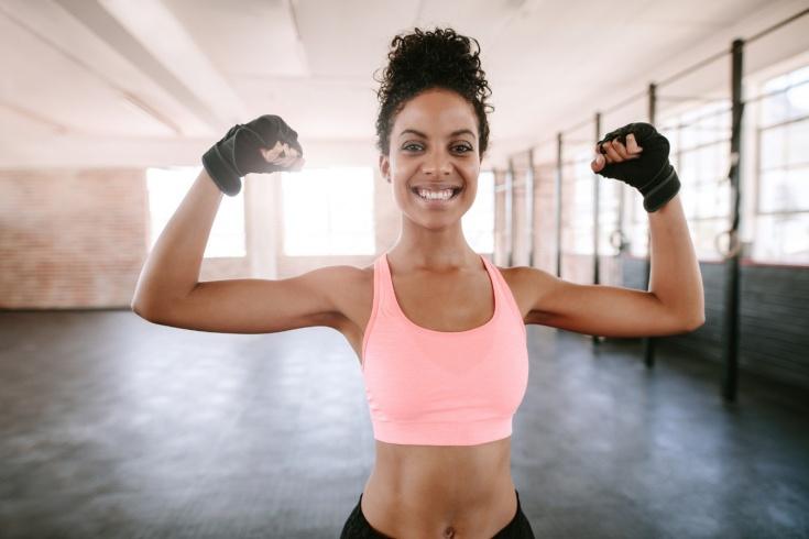 Как избавиться от дряблости рук: упражнения от тренера, видео