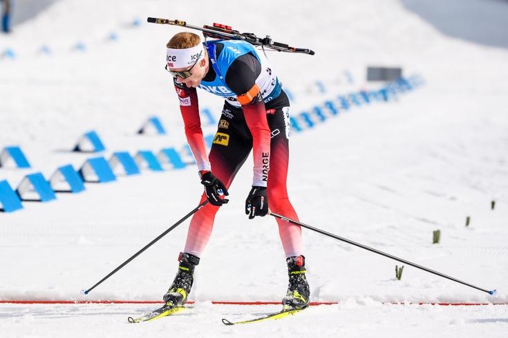 Йоханнес Бё выиграл спринт в Контиолахти, Фуркад – второй, зрителей попросили уйти