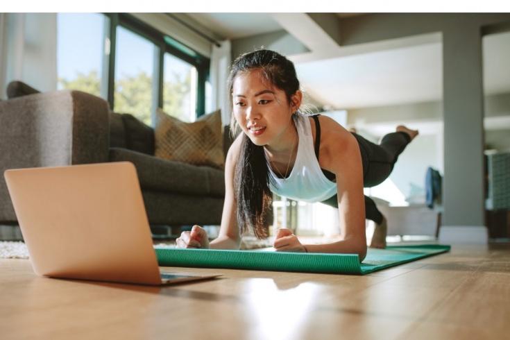 Как тренироваться онлайн бесплатно? Тренировки World Class, SM Stretching, Nike