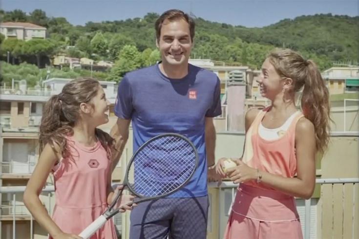 Как Федерер играет в теннис на крыше: с Агасси и девочками из вирусного ролика. Видео