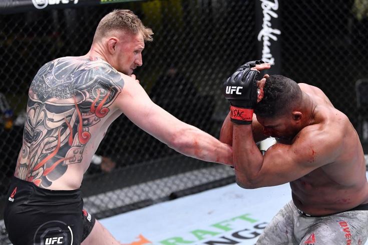 Александр Волков нокаутировал Алистара Оверима на турнире UFC Fight Night 184