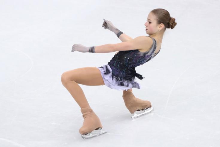 Александра Трусова показала 4 фото с летней фотосе