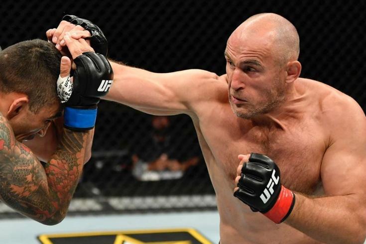 UFC 249, Алексей Олейник победил Вердума