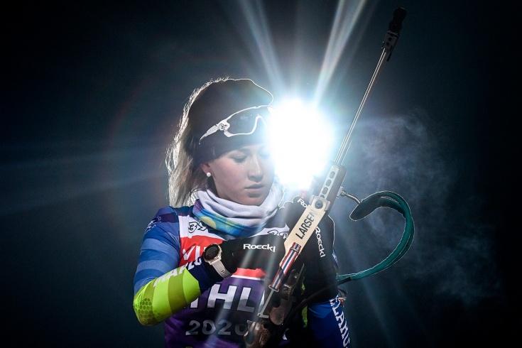Белорусская биатлонистка Динара Алимбекова сенсационно выиграла спринт на этапе в Хохфильцене