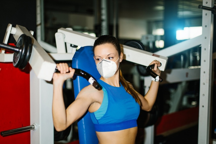 Как безопасно тренироваться в зале? Ограничения и меры в фитнес-клубах