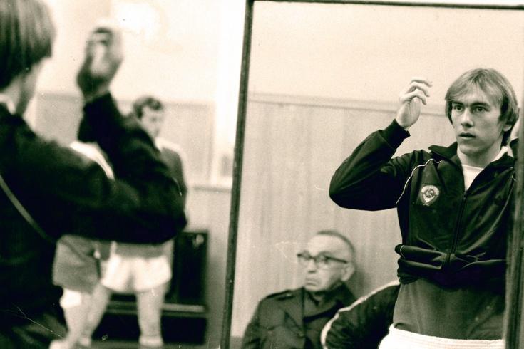 Опекал Марадону, защищал Белый дом. Необыкновенная судьба игрока «Спартака» Хидиятуллина