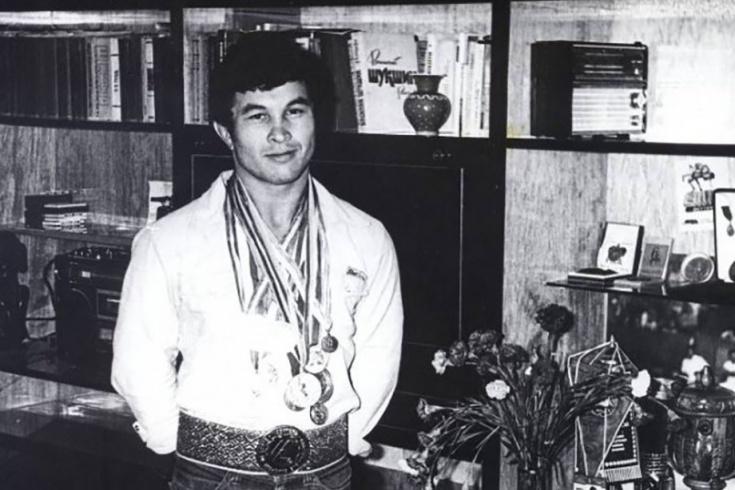 Олимпийский чемпион Шамиль Сериков совершил самоубийство ...  Шамиль