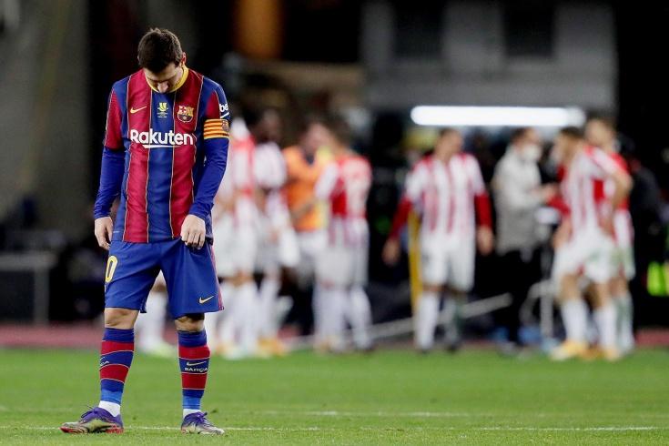 Месси впервые выгнали с поля в «Барселоне». Что на него нашло и чем грозит это удаление?