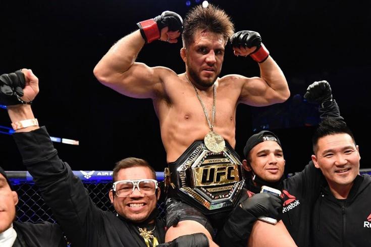 Чемпион UFC Генри Сехудо нокаутировал Доминика Круза и ушёл из спорта