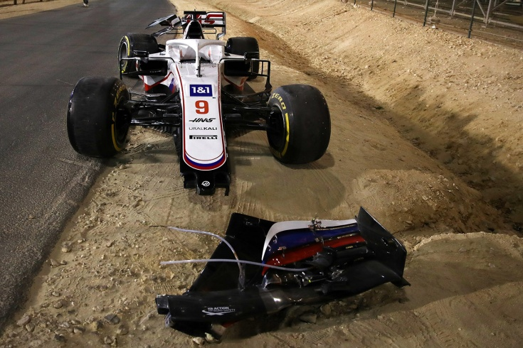 Мазепин вылетел в первом же повороте, «Ред Булл» глупо проиграл. Ф-1 стартовала!