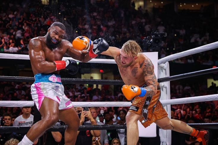 Блогер победил в боксёрском поединке экс-чемпиона UFC. Джейк тренировался всего 18 месяцев
