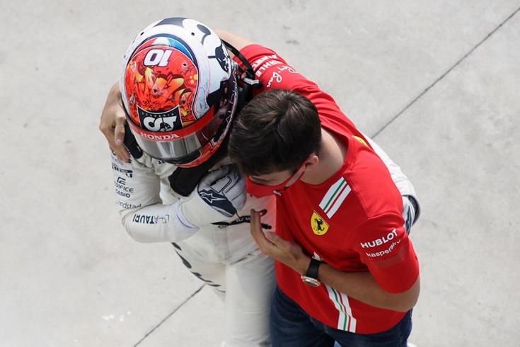 Леклер крупно ошибся уже второй раз, Боттас снова беспомощен. Оценки за Гран-при Италии