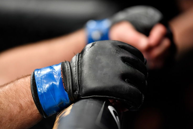 Боец MMA победил нокаутом за 18 секунд, перевернув