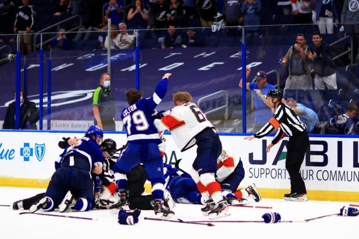 «Хоккей закончился во втором периоде». Что пишут в Америке о грязном ударе по колену Кучерова