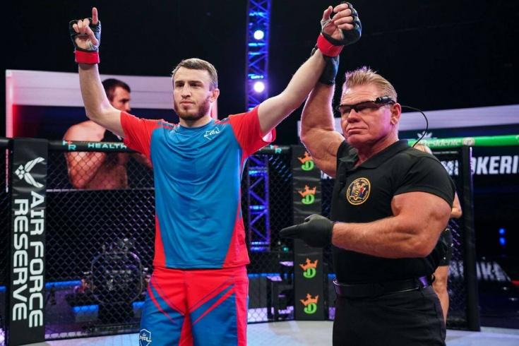 Professional Fighters League — PFL 5: Магомед Магомедкеримов удушающим приёмом Иезекииль победил Кёртиса Миллендера