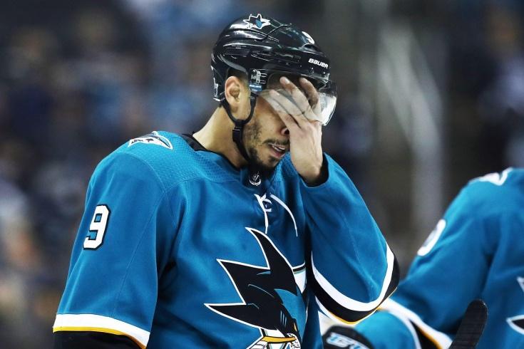 Жена Эвандера Кейна обвинила его в сливе матчей «Сан-Хосе» и ставках на НХЛ, игрок является банкротом