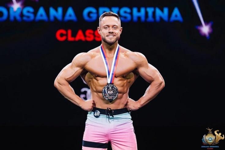 Уличная тренировка для мужчин для мышц спины, рук и груди: упражнения от чемпиона по бодибилдингу
