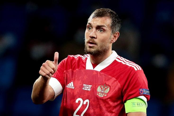 Игроки сборной России могут расслабиться. Их зарплаты никто не тронет