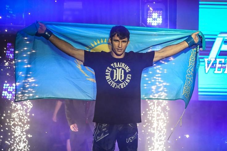 Дана Уайт пришёл посмотреть на американца. Но на отбор в UFC пригласил бойца из Казахстана