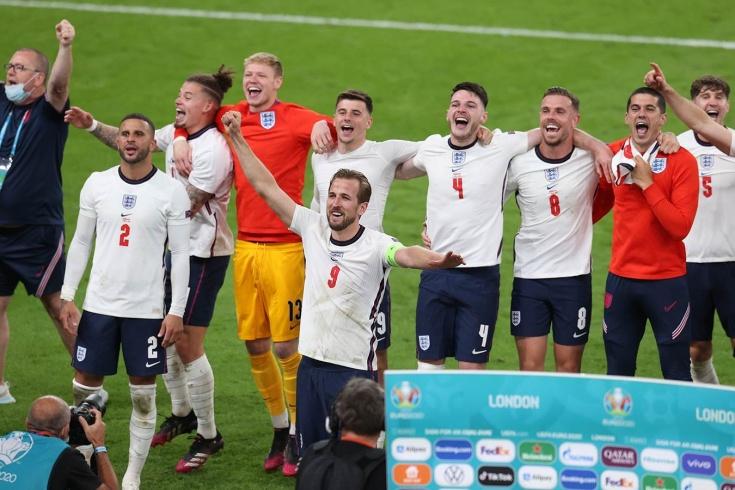 К сожалению, эта Англия превратилась в чудовище. Против неё невозможно играть