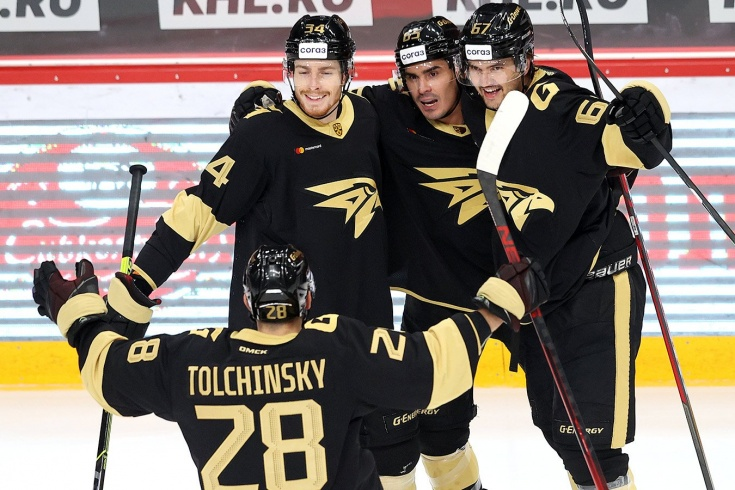 Нападающий «Авангарда» Петер Цегларик стал автором первого гола в КХЛ в сезоне-2021/2022