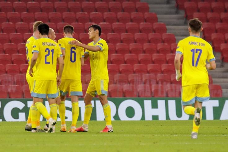 Невероятный гол сборной Казахстана с центра поля! Видео