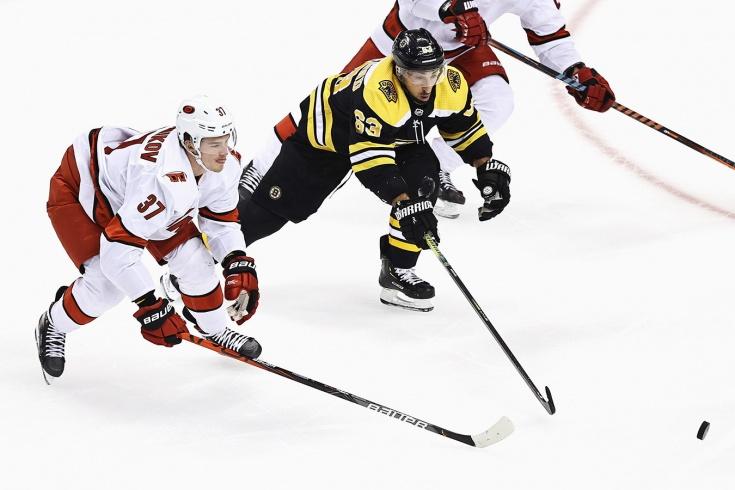 «Бостон» – «Каролина» – 4:3 ОТ – обзор матча НХЛ, видео лучших моментов, 12 августа 2020